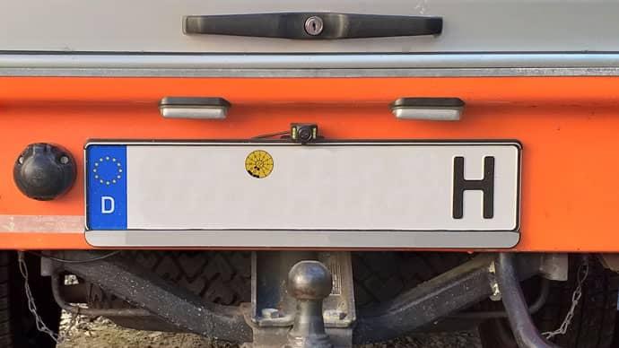 Campervan Rückfahrkamera nachrüsten Montage Kennzeichen Detail Düdo