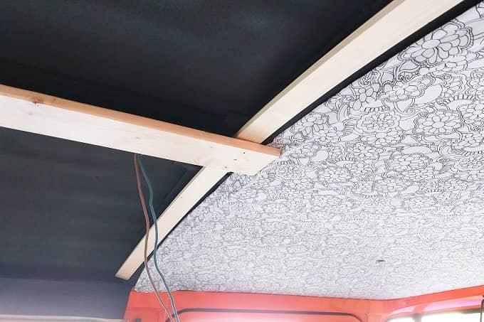 Mercedes Benz T2 Düdo 407 D Grundkonstruktion Holzlatten Decke
